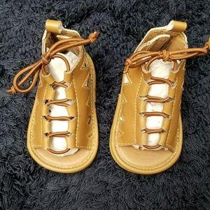 Infant girls sandals size 2